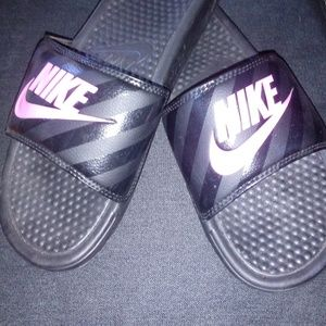 Women's Black Pink Nike Slides Size 10